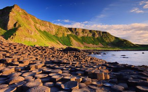 Картинка sky, sea, landscape, nature, water, mountains, clouds, stones, Ireland, Giant's Causeway, rock formation