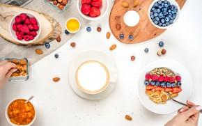 Картинка ягоды, малина, кофе, завтрак, черника, клубника, орехи, мёд, джем, мюсли