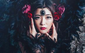 Картинка взгляд, цветы, лицо, стиль, перья, руки, макияж, украшение, азиатка