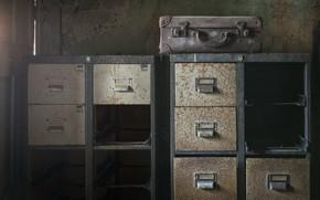 Картинка фон, чемодан, шкаф