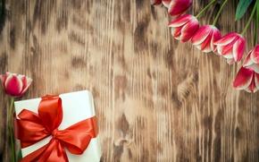 Обои love, wood, красные тюльпаны, tulips, romantic, тюльпаны, 8 марта, gift, red, цветы