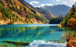 Картинка осень, лес, солнце, деревья, горы, озеро, красота, Китай, заповедник, Jiuzhaigou, Цзючжайгоу