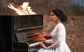 Картинка девушка, музыка, огонь, пианино