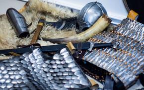 Картинка Меч, Шкура, Шлем из Гьёрмудбю, Каролинг, Бродекс, Ламеллярный доспех, Рог, Серира, Меч викинга, Шлем викинга, …