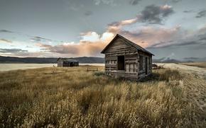 Картинка поле, горы, дом