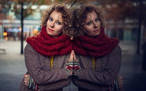 Картинка девушка, отражение, шарф, шатенка, кудри, пальто