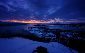 Картинка зима, небо, снег, деревья, закат, огни, река, дома, вечер, Норвегия, Skjerstadfjorden