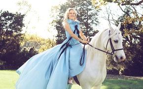 Картинка солнце, деревья, улыбка, газон, лошадь, сад, платье, прическа, блондинка, белая, наездница, фотосессия, на природе, Reese ...