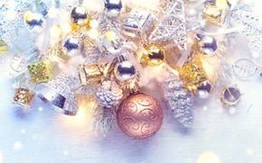 Картинка праздник, шары, игрушки, новый год, бусы, колокольчики, ветки ели