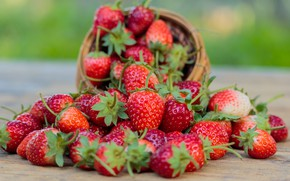 Обои ягоды, клубника, красные, fresh, wood, спелая, sweet, strawberry, berries