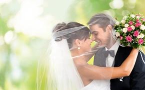 Картинка девушка, любовь, радость, улыбка, букет, объятия, summer, парень, невеста, фата, dress, красивые, свадьба, beautiful, боке, …