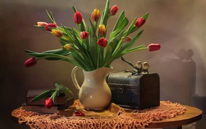 Картинка цветы, птицы, стол, книги, тюльпаны, ваза, сундук, натюрморт, скатерть
