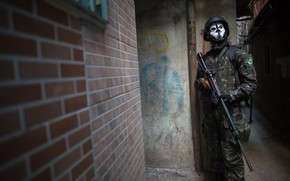 Картинка gun, soldier, weapon, army, Brazil, rifle, Rio de Janeiro, helmet, assault rifle, bulletproof vest, Call …