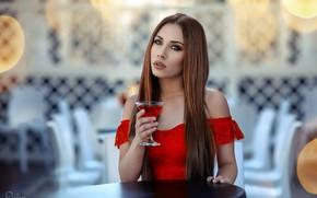 Обои Drinkin' Campari, боке, макияж, красотка, за столом, шатенка, бокал, портрет, платье, сидит, в красном, Simona ...