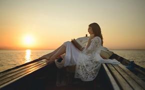 Картинка девушка, лодка, книга