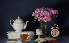 Картинка чай, часы, букет, ручка, книга, пирожное, натюрморт, гвоздики