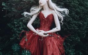 Картинка девушка, поза, стиль, настроение, руки, красное платье, принцесса, кусты, длинные волосы, Maria Amanda, Bella Kotak, …
