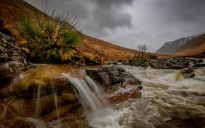 Картинка осень, горы, тучи, река, камни, водопад, Шотландия