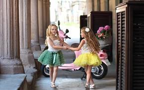 Картинка девочки, модницы, нарядные