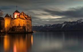 Картинка лес, небо, горы, ночь, огни, озеро, Швейцария, Замок, Шильонский замок