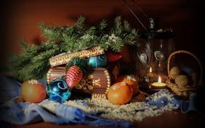 Картинка зима, снег, праздник, елка, новый год, рождество, фонарь, шкатулка, украшение, натюрморт, декабрь, композиция, мандарины
