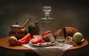 Обои лук, хлеб, натюрморт, водка, помидор, огурцы, чеснок, закуска, сало