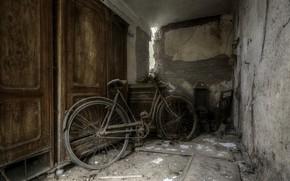 Обои погреб, велосипед, шкаф