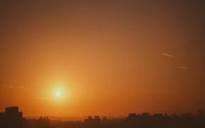 Картинка небо, солнце, город, рассвет, здания, дома, оранжевое