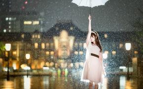 Обои азиатка, платье, настроение, девушка, город, ситуация, снег, зонтик