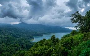 Обои море, зелень, горы, тучи, тропики, пасмурно, побережье, джунгли, Индонезия, залив, Bali