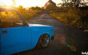 Обои ВАЗ-2104, голубая, солнце, природа, тюнинг, радуга
