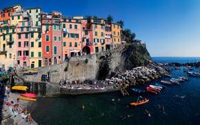 Картинка море, скала, дома, лодки, Италия, Риомаджоре, Чинкве-Терре, Лигурийское побережье
