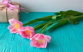 Обои цветы, подарок, тюльпаны, розовые, wood, pink, flowers, romantic, hearts, tulips, gift, spring