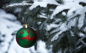 Картинка зима, снег, праздник, елка, шар, шарик, Рождество