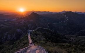 Картинка закат, горы, Китай, Великая Китайская Стена