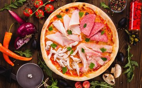 Картинка овощи, пицца, помидоры, оливки, колбаса, ветчина