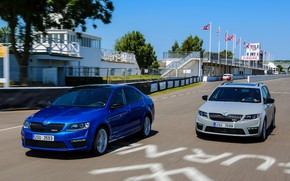 Картинка асфальт, трасса, заезд, Škoda, 2013, Skoda, Octavia RS, Octavia Combi RS, серый универсал, синий седан