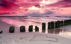 Картинка песок, море, закат, побережье, сердце
