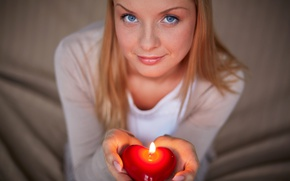 Картинка день Святого Валентина, Valentines Day, heart, glance, свеча, лицо, романтика, candles, руки, взгляд