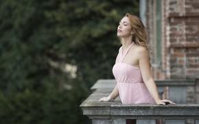 Картинка лицо, модель, волосы, платье, балкон, Deborah