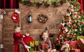 Обои декор, фонарь, фото, Новый год, настроение, елка, игрушки, украшения, дети, подарки, радость, девочка