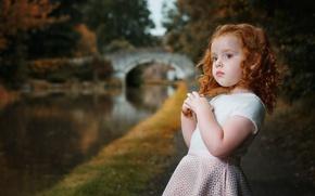 Картинка вода, мост, природа, парк, девочка, рыжая, кудри, ребёнок, водоём