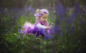 Картинка девочка, girl, grass, nature, butterfly, flowers, child, baby, wreath, orchids, tetera