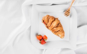 Картинка завтрак, клубника, круассан