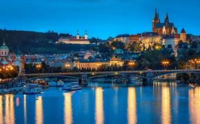 Обои река, фонари, Чехия, Прага, вечер, огни, суда, деревья, дома, небо, мост