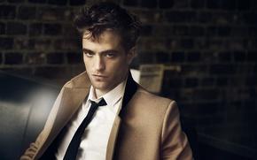 Картинка мужчина, рубашка, сумерки, Robert Pattinson, пальто, Роберт Паттинсон, Dior Homme