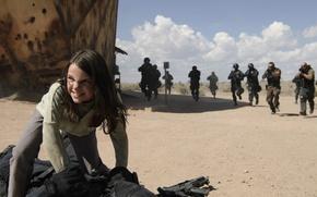 Картинка cinema, girl, gun, Wolverine, X-Men, Logan, weapon, man, sand, Marvel, hero, film, angry, Laura, X-23, …