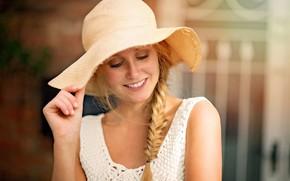 Картинка девушка, улыбка, веснушки, коса, шляпка, Smile, Mark Prinz