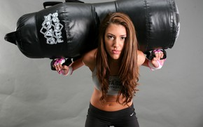 Картинка woman, lifting, kick boxing, weight bag