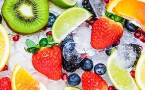 Обои клубника, ежевика, витамины, фрукты, грейпфрут, ягоды, дольки, лайм, голубика, лед, гранат, киви